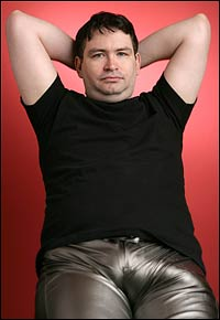 Jonah Falcon 13_5 Inches http://mamimomikuto.wordpress.com/2009/12/13/largest-penis-measures-13-5-inches/